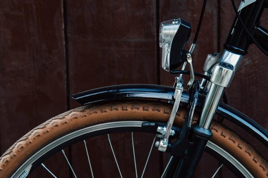 wood-light-bike-tire-large
