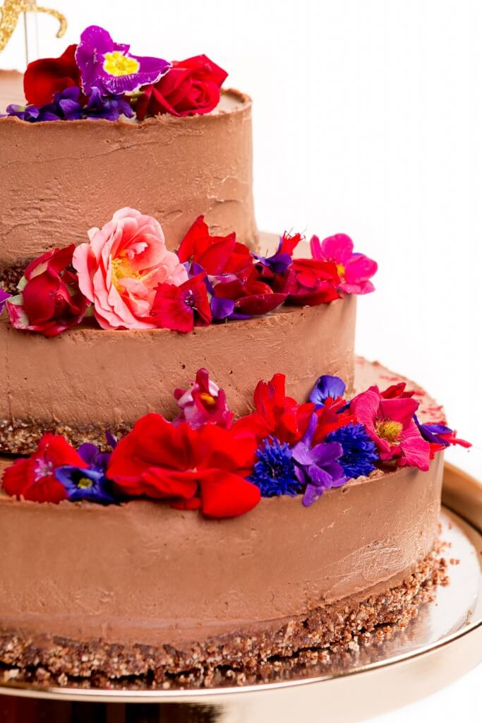 raw vegan and gluten free wedding cakes with a difference ascot house wedding receptions. Black Bedroom Furniture Sets. Home Design Ideas