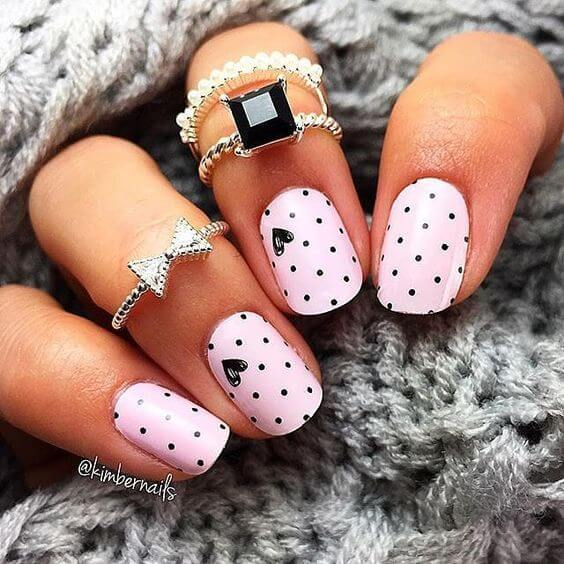 polka-dot-nails