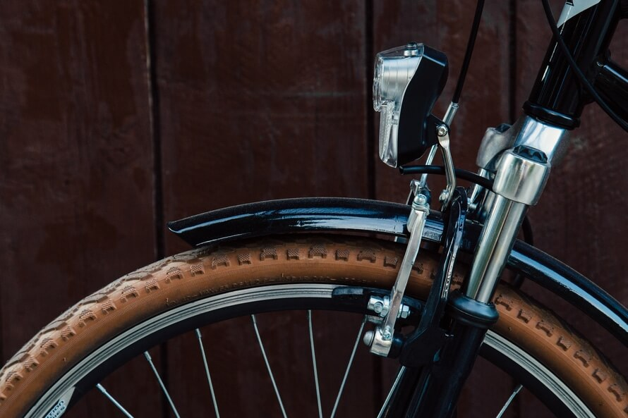 wood-light-bike-tire-large